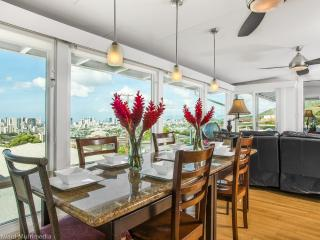 OVW -OVERLOOK VIEWS CITY,OCEAN,Dhead: w/car BBB A - Honolulu vacation rentals