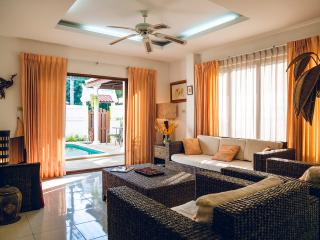 Nice Villa with Internet Access and A/C - Jomtien Beach vacation rentals