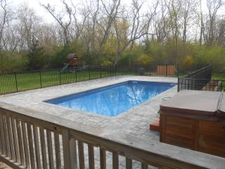 Spacious Home with Waterviews, Pool & Hot Tub - Orient vacation rentals