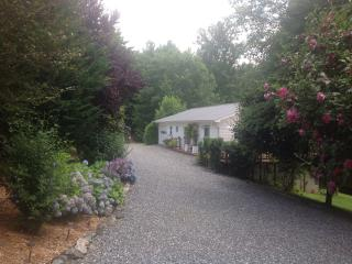 Beautiful Cottage in the Appalachian Mountains - Weaverville vacation rentals