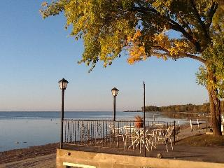 Home Base for Discovering Green Bay & Door County - Luxemburg vacation rentals