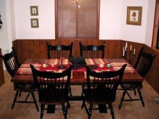Beautiful Lake Arrowhead Home, Beach Club, WiFi - Twin Peaks vacation rentals
