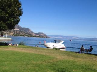 Beach Ave Castle B & B : Okanagan Valley Lake Front Luxury, Spacious, Media RM. - Peachland vacation rentals