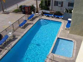...STEPS TO BEACH, BOARDWALK &  AMUSEMENTS - North Wildwood vacation rentals