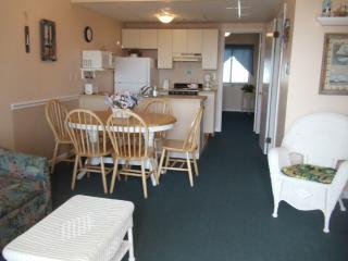 ...STEPS TO BEACH, BOARDWALK &  AMUSEMENTS - North Wildwood vacation rentals