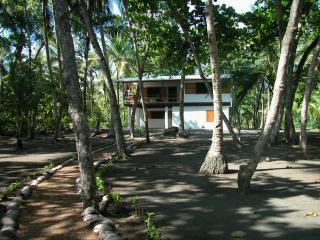 Perfect 2 bedroom Playa Zancudo House with Deck - Playa Zancudo vacation rentals