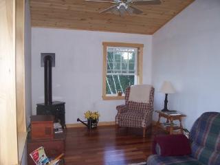 Enjoy a bird's eye view of Vermont hills - Tunbridge vacation rentals
