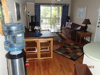 Bayside Condo Just One Block From The Beach. - Ocean City vacation rentals