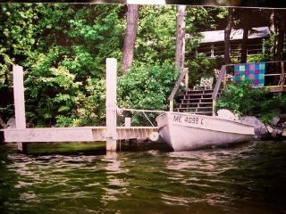 Lakeside cottage w/dock,boat,gas fireplac,wash/dry - Mount Vernon vacation rentals