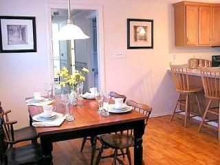 Serenity and privacy by Craigville beach - Hyannis Port vacation rentals