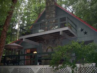 2 bedroom Cottage with Deck in Maggie Valley - Maggie Valley vacation rentals