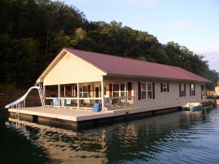 Norris Lake Floating Home Vacation Rental - La Follette vacation rentals