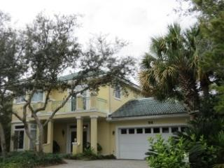 Yellow Bird, 4BR/3BA home! w/Large Community Pool - Destin vacation rentals