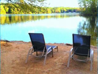 Beautiful Lake Front LakeHouse sandy beach w/boat - Northwood vacation rentals