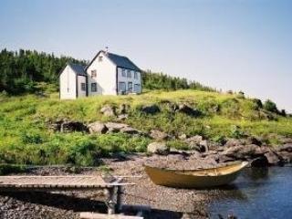 Quoyle's House in L'Anse aux Meadows area - St Lunaire-Griquet vacation rentals