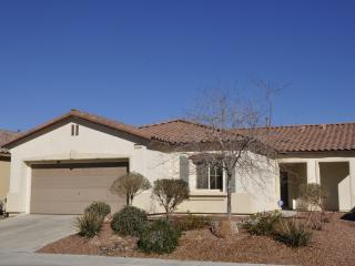 VILLA 3 -3bd 2ba -12 mi ConventionCtr NO ResortFee - North Las Vegas vacation rentals