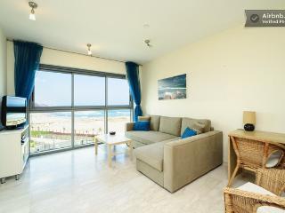 *Okeanos Ba'marina view 1 Bedroom Suite Apartment* - Herzlia vacation rentals