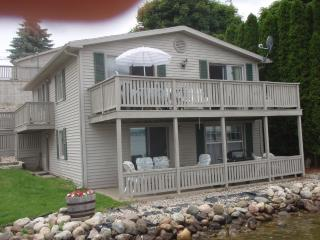 Waterfront Irish Hills Cottage (Round Lake) - Manitou Beach vacation rentals