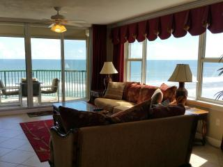 Luxurious Direct Oceanfront w/ Jacuzzi Tub WOW! - Daytona Beach vacation rentals
