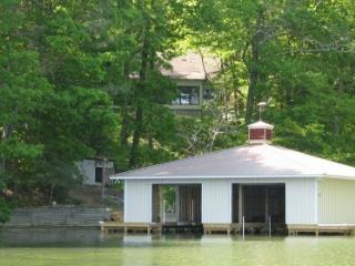Beautifully Renovated Cabin with Boathouse - Guntersville vacation rentals
