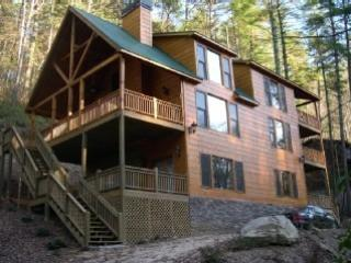 New Beautiful River Cabin Overlooking Mountaintown - Whitewater River Cabin- Hot Tub-Take a Break and R - Ellijay - rentals