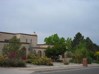 Quiet luxurious retreat in beautiful Albuquerque - Albuquerque vacation rentals