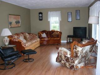 Cozy 3 bedroom Cocagne House with Deck - Cocagne vacation rentals