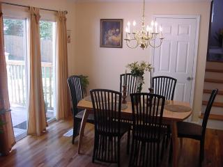 The Cozy Home-Internet WiFi.Cable HD.TV.Sleeps 8 - Duluth vacation rentals