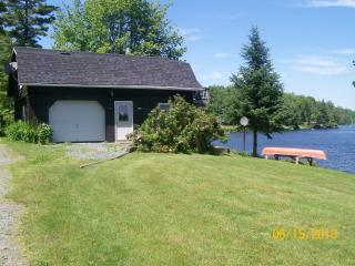 Nice Cottage with Deck and A/C - Concord vacation rentals