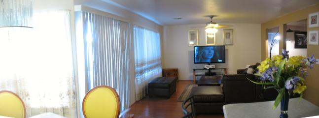family room - The best value for your money, close to strip - Las Vegas - rentals