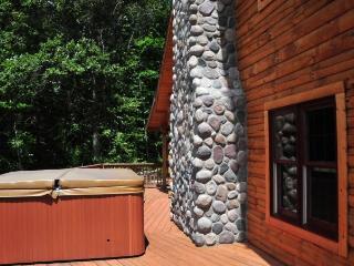 4 bedroom Cabin with Deck in Logan - Logan vacation rentals