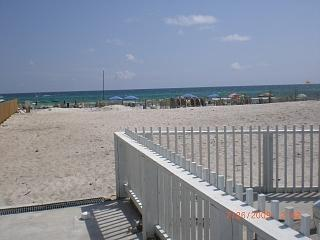 Beach Access,275 feet. from condo - Special.$499-899 wk. 3 min. walk  to beach. NIce - Panama City Beach - rentals