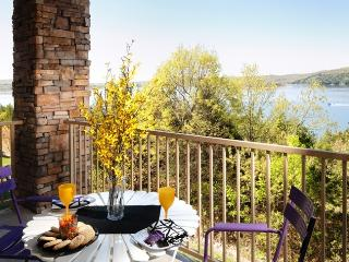 Luxury 2BR/BA Lakefront Condo: Amazing Fall Colors - Hollister vacation rentals