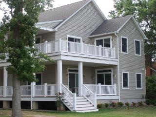 ENDLESS SUNSETS - The perfect getaway! - Claiborne vacation rentals
