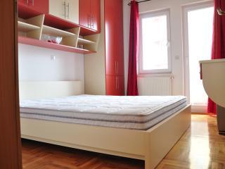 Cozy, modern & quiet - Fushë Kosovë - Pristina vacation rentals