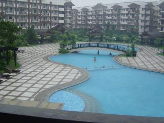 3-B/Room Furnished Condo Unit, Near Airport - Taguig City vacation rentals