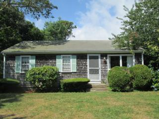 33 FENWAY - WALK TO SEA STREET BEACH! - Dennis Port vacation rentals
