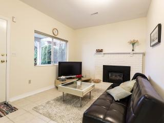 2 bedroom Guest house with Internet Access in Vancouver - Vancouver vacation rentals