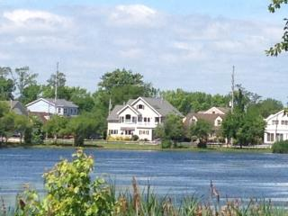 Pet Friendly Lakefront just 300 yards to Beach!! - Point Pleasant Beach vacation rentals