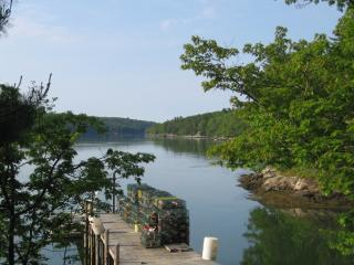 Private Waterfront cottage - Edgecomb vacation rentals