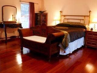 A romantic country cottage,woodstockgetawayhome - Bearsville vacation rentals