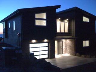 Crescent Vue...New Contemporary Beach Home - Tillamook vacation rentals