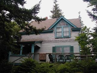 The Lookout Lodge - 5-minute walk to beach! - DownEast and Acadia Maine vacation rentals