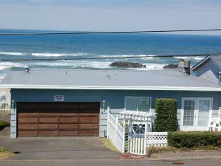 Oceanfront  cottage with wonderful views - Lincoln City vacation rentals