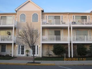 Wildwood 3 BR Beach Block Condo - Wildwood vacation rentals
