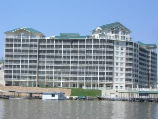 3 bedroom Apartment with Deck in Osage Beach - Osage Beach vacation rentals