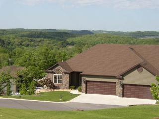 Lg. Luxury Executive Home;Groups/Reunions Pro Golf - Branson West vacation rentals