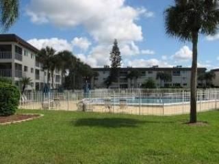 A Reasonable Two Bedroom Two Bath Condo - Image 1 - Naples - rentals