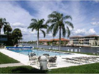 Gulf Access condo 1 BDR. large pool, boat dock - Cape Coral vacation rentals