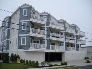 3 bedroom 2 bath Condo with Pool; 1 Block to Beach - Wildwood Crest vacation rentals